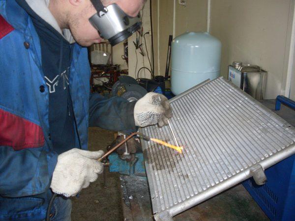 Ремонт алюминиевого радиатора автомобиля своими руками фото