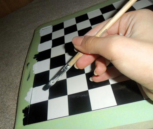 Как сделать шахматную доску из картона своими руками