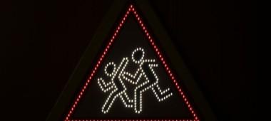 Значение светодиодных знаков на дороге